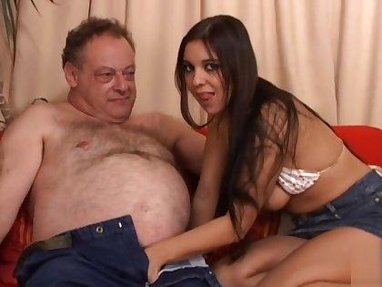oldje 113 fat old man fuck girl
