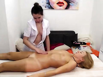 Almighty unpaid lesbian massage turns into rimjob and ID