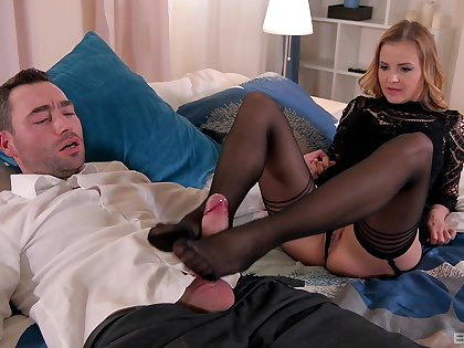 Real pleasures for mom in scenes be incumbent on foot fetish XXX