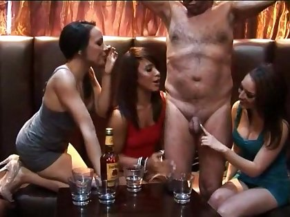 Amateur CFNM video with slutty pornstar Jessica Pressley and her friends
