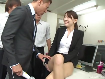 Quickie fucking in the office with cum loving secretary Kashii Ria